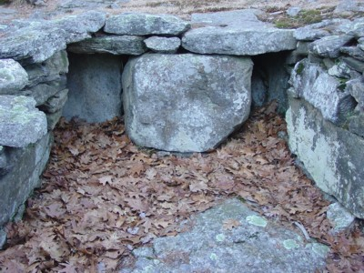 America's Stonehenge - Two niches in Empty Vessel Chamber